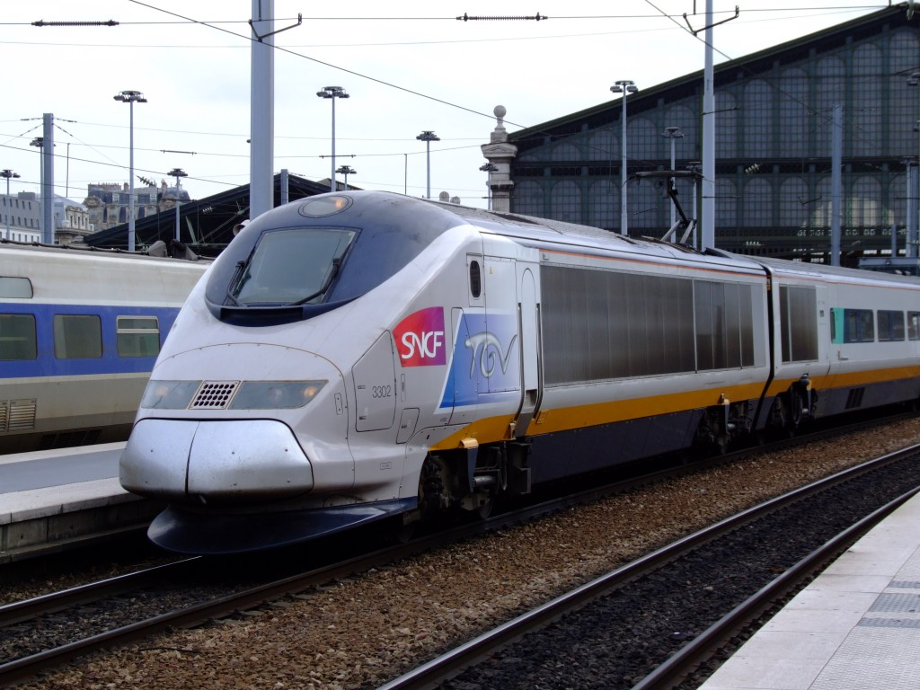 Bus Toulouse Avignon French Train Service Sncf Appeals To Millennials With