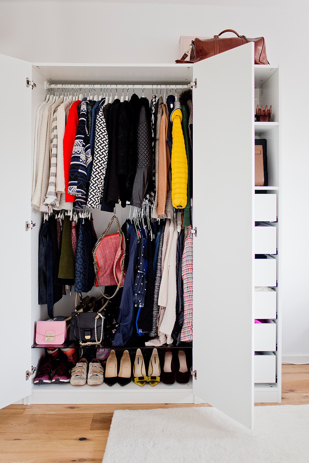 Berlin Living 2 My Ikea Pax Organisation How To Organize Your Wardrobe