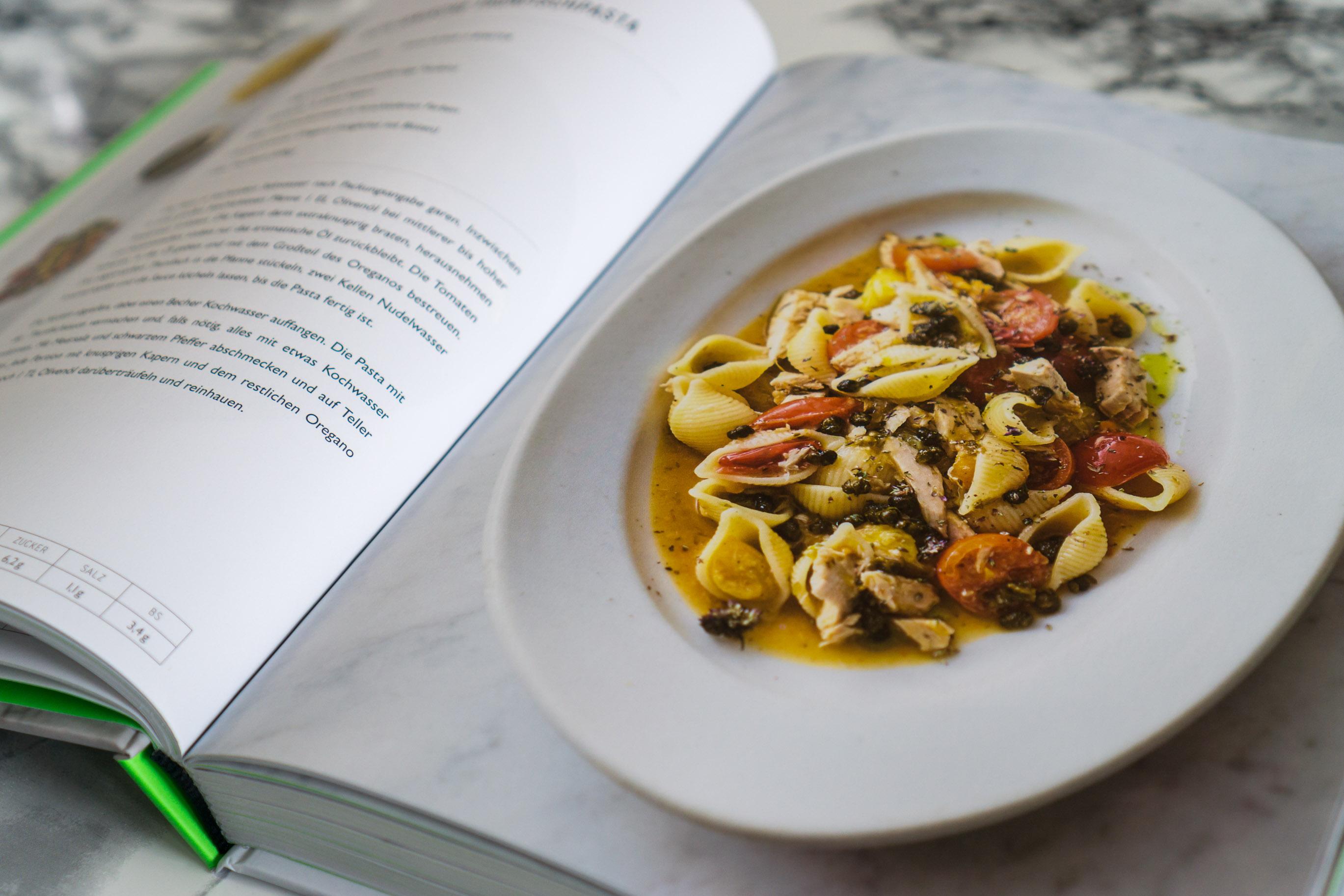 Leichte Sommerküche Jamie Oliver : Jamies minuten küche rezepte sixx jamies minuten kche