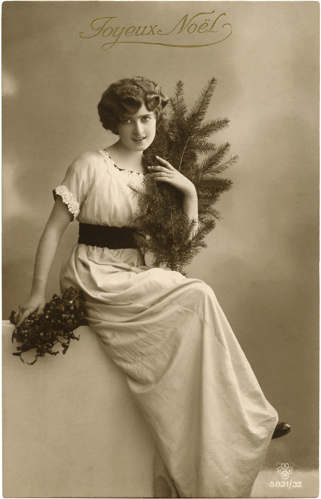 Vintage Fotos Vintage Christmas Lady Photo The Graphics Fairy