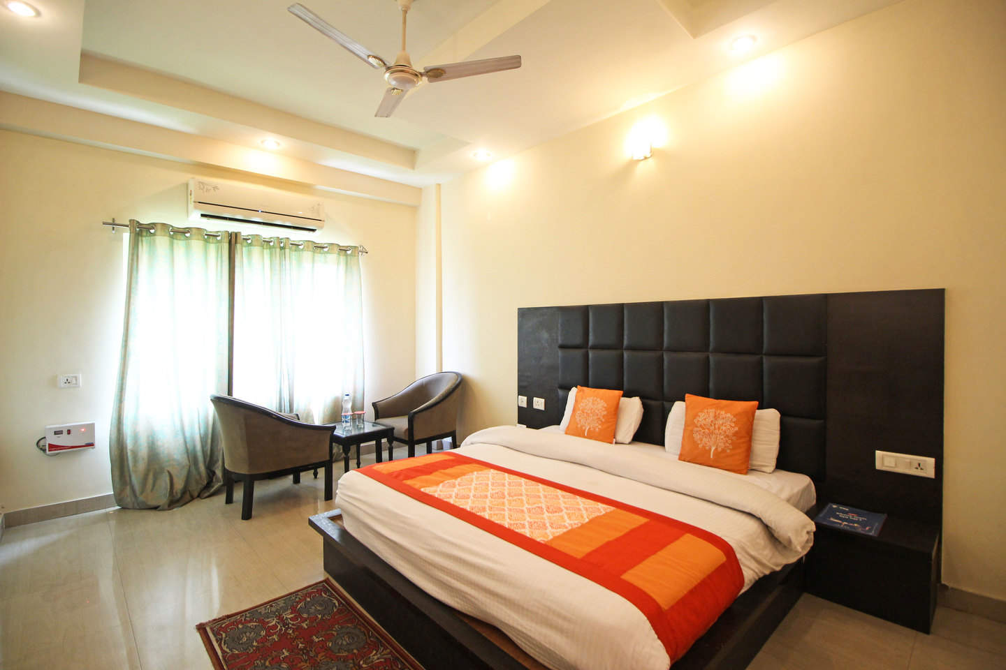Semi-Deluxe-Room-Hotel-great-ananda-haridwar