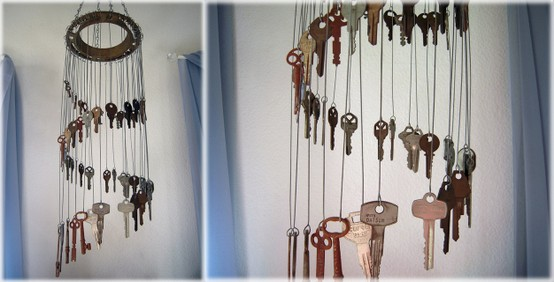 http://www.ricdesigns.com/wind-chimes/wind-chime-made-using-old-keys/