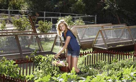 Mariel Hemingway in the Garden