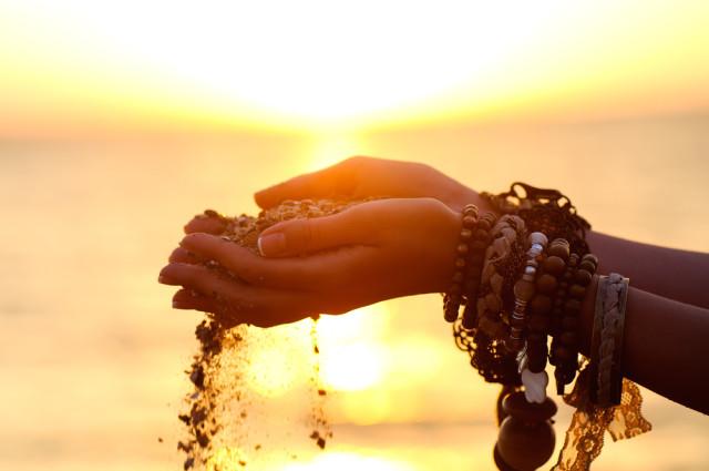 Картинки по запросу gratitude is the channel to attract more abundance