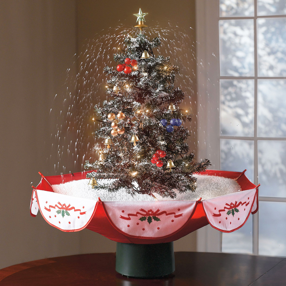 Kleine Kerstboom Met Verlichting Tabletop Snowing Christmas Tree The Green Head
