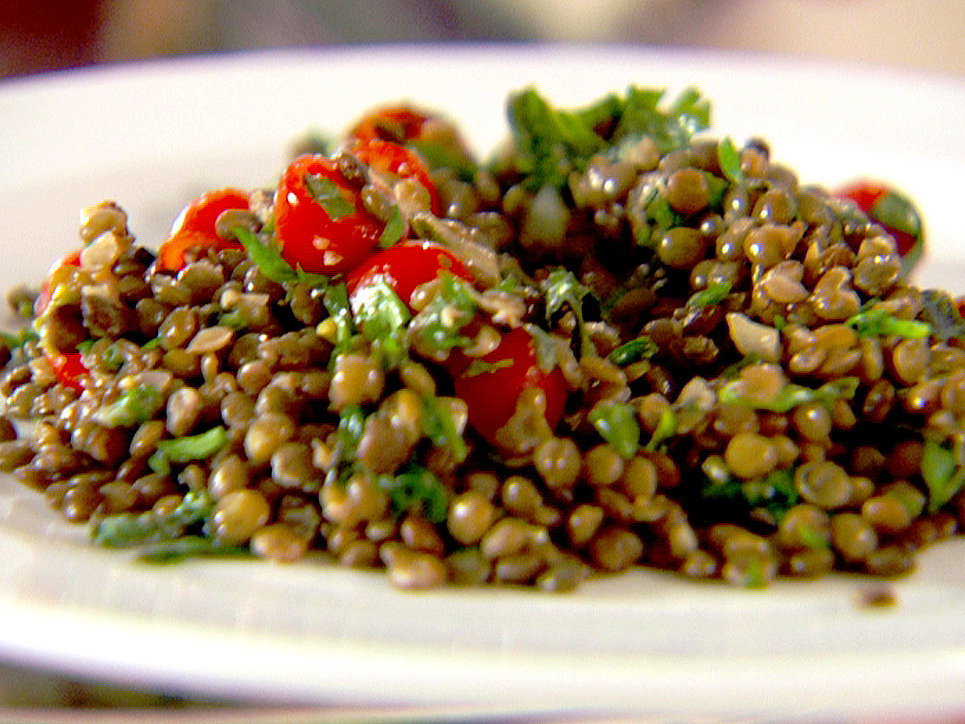 Lentil Salad With Herbs, Tomatoes, And Spinach }   Thegrubdaily