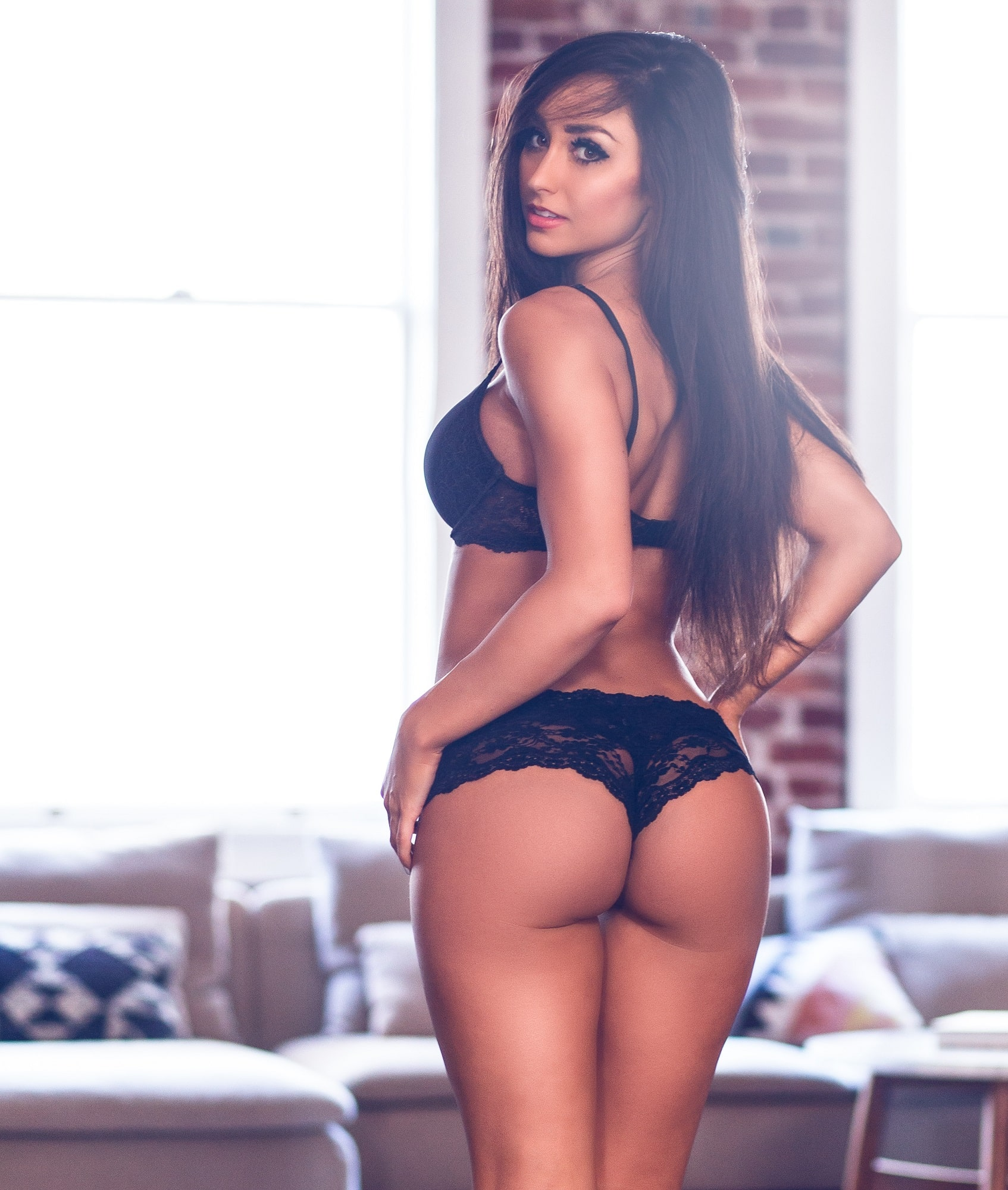 Reya Sunshine | The Guy Blog