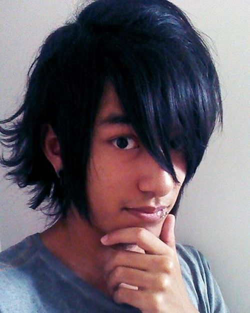 Long-Disconnected Hairstyle for Asian Men