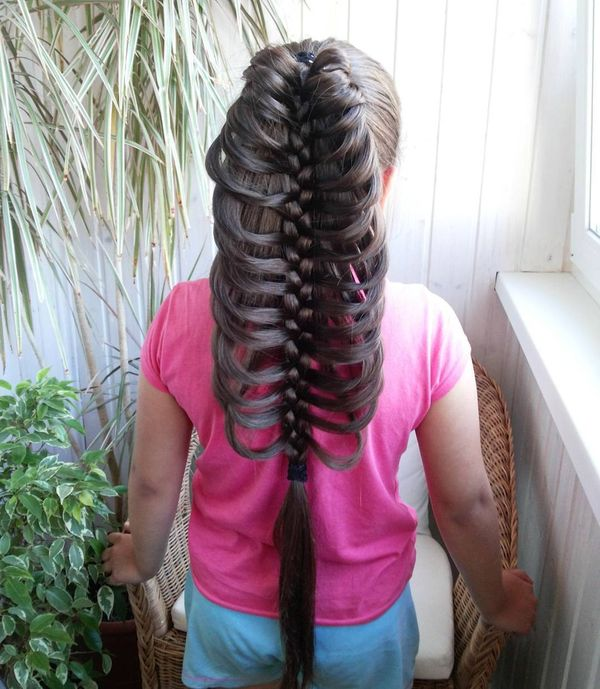 Skeleton fishtail with a braid in the middle