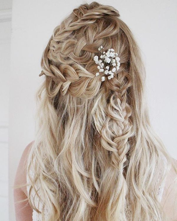 Beautiful Floral Hairstyle of Freedom