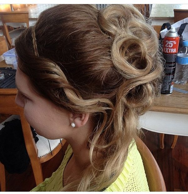 Fantastic Upswept Curls with a Hair Band