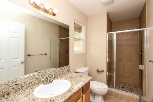 021_FOR_SALE_24153_Via_Mirola_Temecula_De_Luz_VIANEY_OJEDA_909.942.6165_Bathroom_1