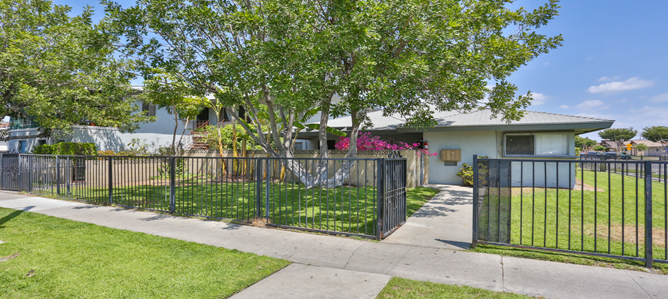 1831_W_Glen_Ave_Anaheim_FOR_SALE_Raoul_and_Vianey_info@thehanovergrp.com (1)