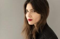 belleza francesa labios rojos