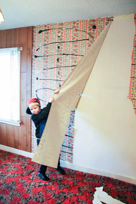 How To Remove Wallpaper Without {Completely} Losing Your Mind