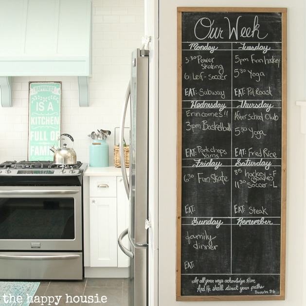 20 Fab DIY Family Wall Calendar Organizers The Happy Housie