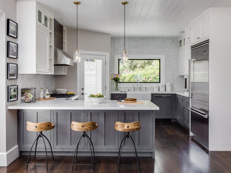 20 Fabulous Kitchens Featuring Grey Kitchen Cabinets The