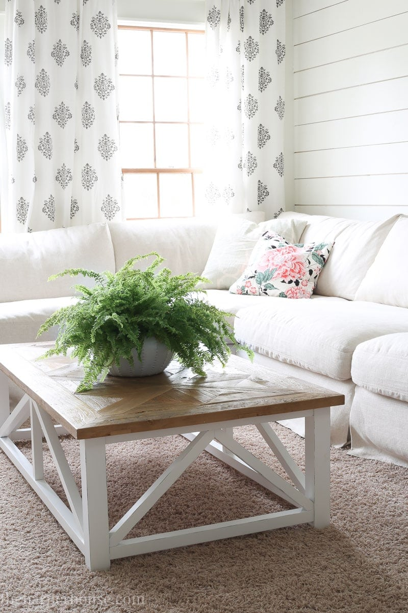 Farmhouse Coffee Shop Farmhouse Coffee Table From Amazon The Harper House