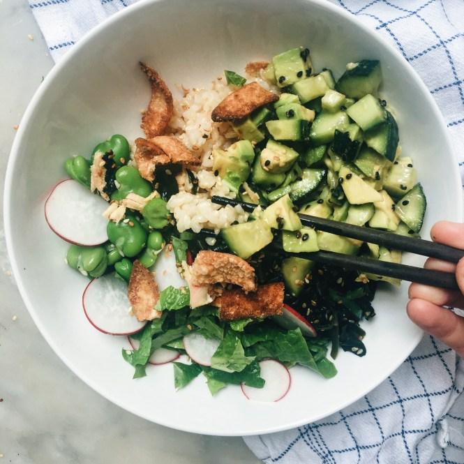 Avocado and cucumber sushi bowl 5