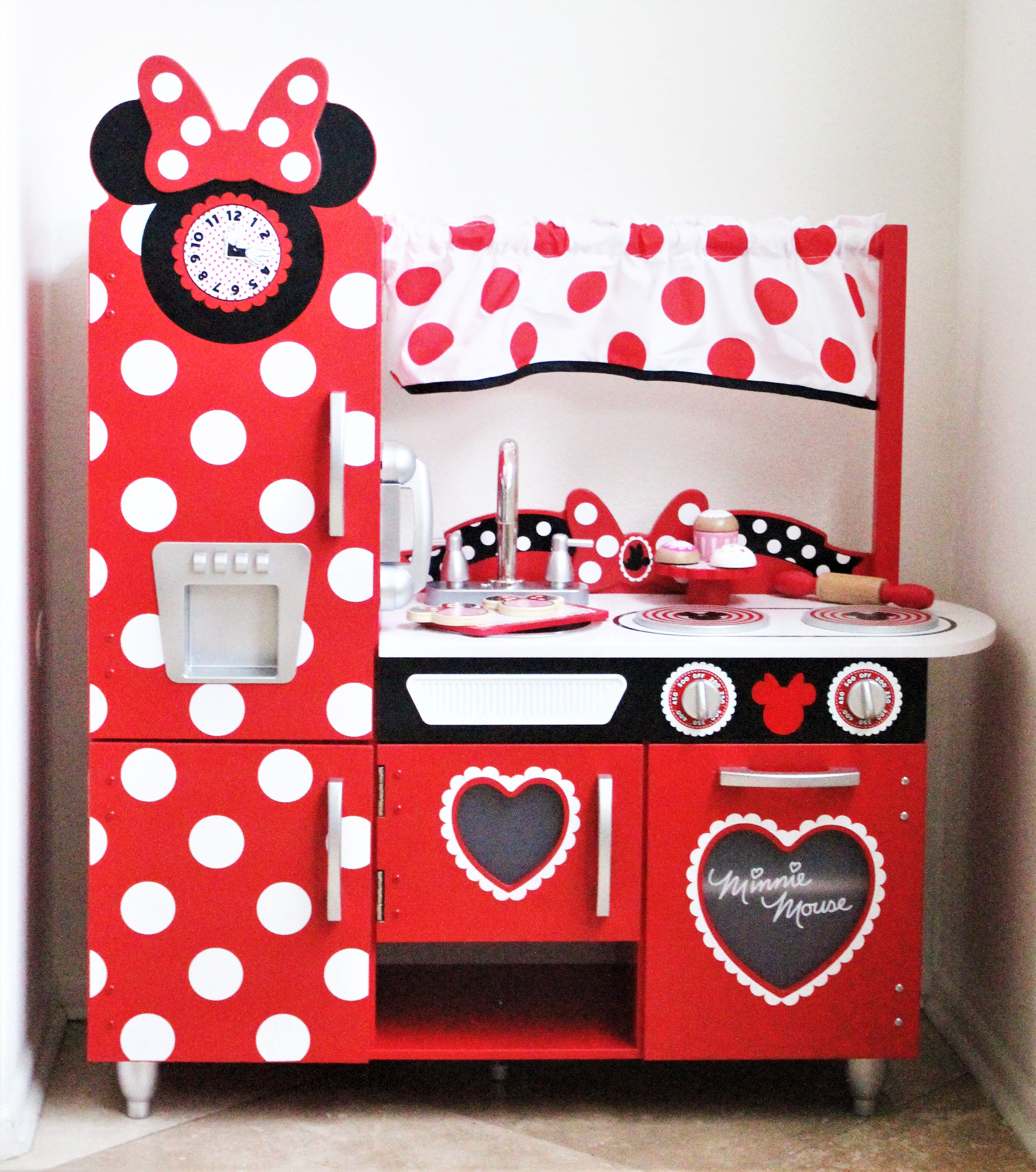 Minnie Mouse Küche The Play Kitchen Every Minnie Mouse Fan Needs The