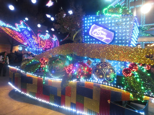 The Parade of Many Colors- 9 Reasons to Visit Dollywood's Smoky Mountain Christmas: Review by The He Said She Said Experience
