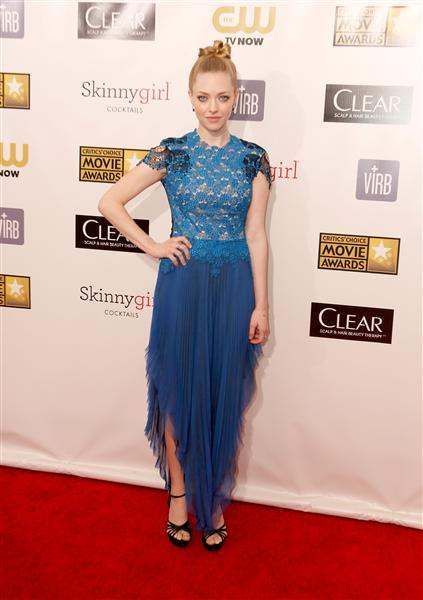 amanda seyfried 2013 critics' choice awards