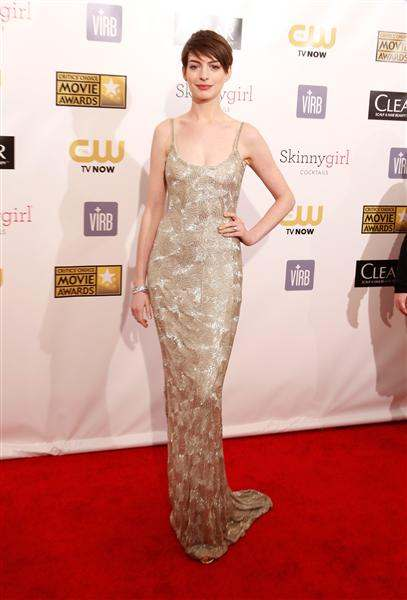 anne hathaway 2013 critics' choice awards