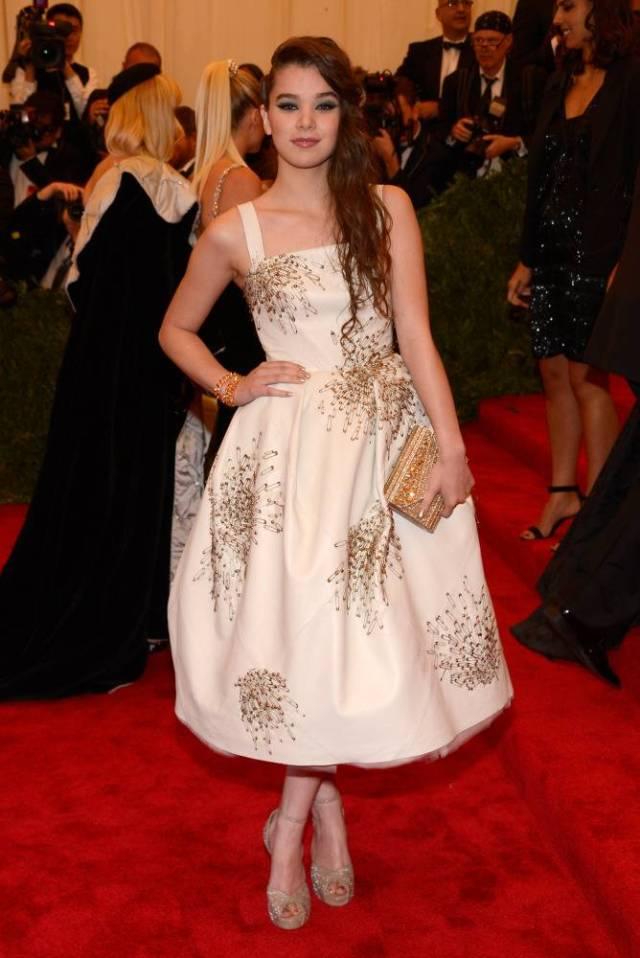 Hailee Steinfeld 2013 met gala