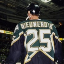 Joe Nieuwendyk won his second Cup with Dallas, his third with New Jersey. (photo by /wikipedia)