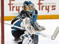 Alex Stalock will likely get a good number of starts for the rest of the '14-'15 NHL season, so fantasy managers should add the goalie as he has been dropped by some managers lately. (Jason O. Watson-US PRESSWIRE)