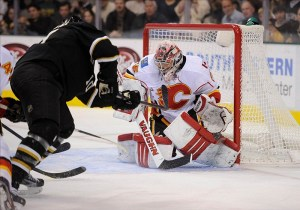 Joey MacDonald made 30 saves in Calgary's win over Minnesota. (Jerome Miron-USA TODAY Sports)