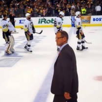 Dan Bylsma, along with his assistant coaches, will be returning behind the Pittsburgh Penguins bench next season. (Pensryourdaddy / Picasa)