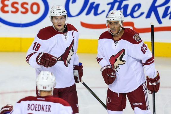 Mike Ribeiro with Shane Doan (Sergei Belski-USA TODAY Sports)