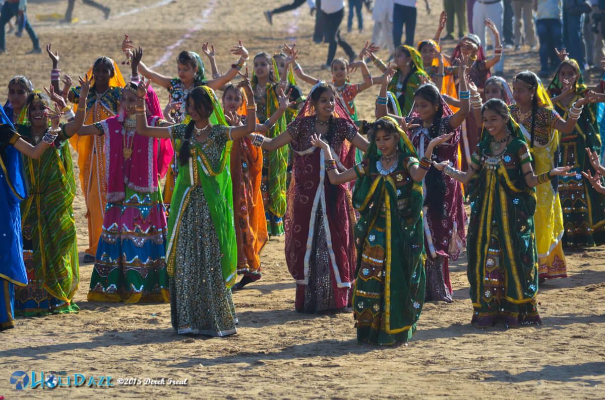 Dancing schoolgirls from Rajasthan at the Pushkar Camel Fair 2015