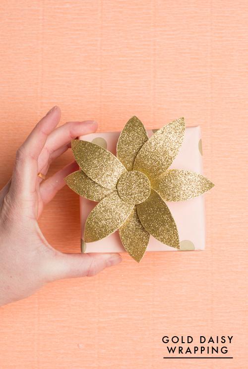 Gold daisy gift topper for spring