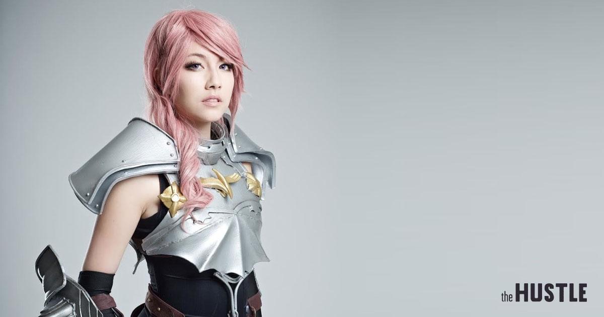 Cute Anime Girl Gun Wallpaper Meet The Girls Making A Living From Cosplay