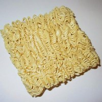 10 reasons you should stop eating instant noodles (Must See)
