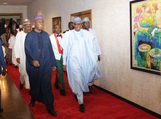 Pres. Buhari hosts National Assembly members to dinner (photos)
