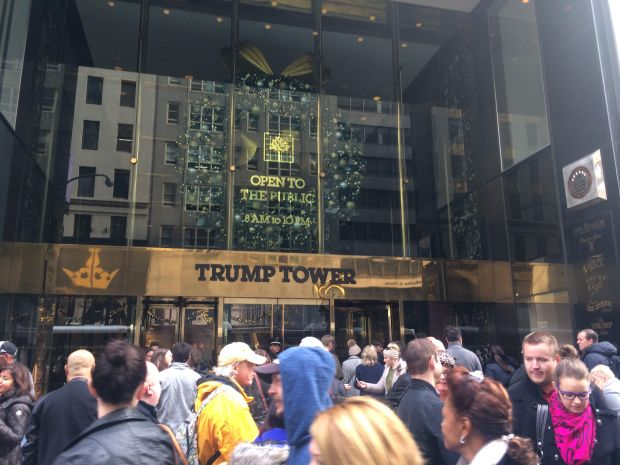 Crowds at Trump Tower cause gridlock on Fifth Avenue. (The Ink/Courtenay Brown)