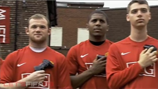 Wayne Rooney and fellow gamers hold consoles in FIFA 09 commercial