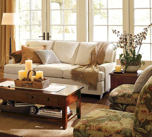 Decorating a coffee table - living room table decor