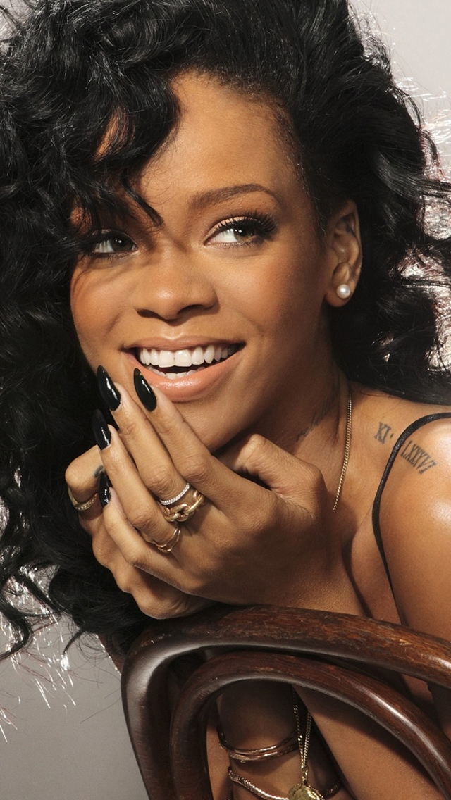 Laughing Girl Wallpapers Free Download Rihanna Laughing The Iphone Wallpapers