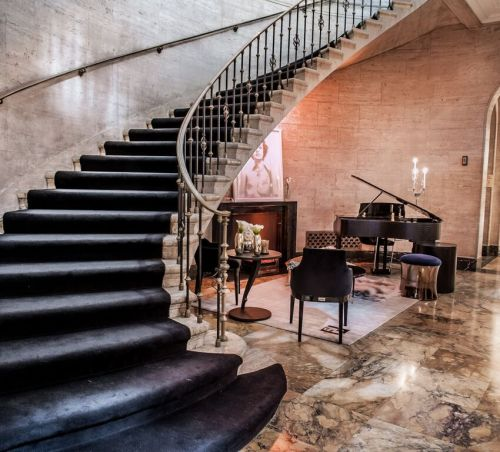 Stairway-Holiday-House-1