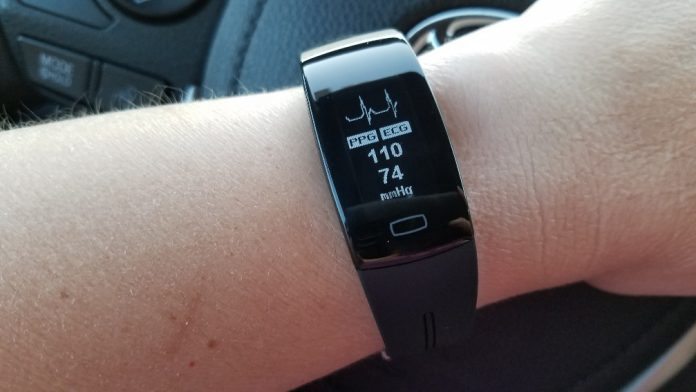 Tom Tony P3 ECG Blood Pressure Watch Review The Journier