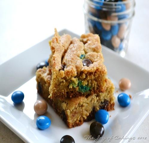 Almond Joy Cookie Bars 020
