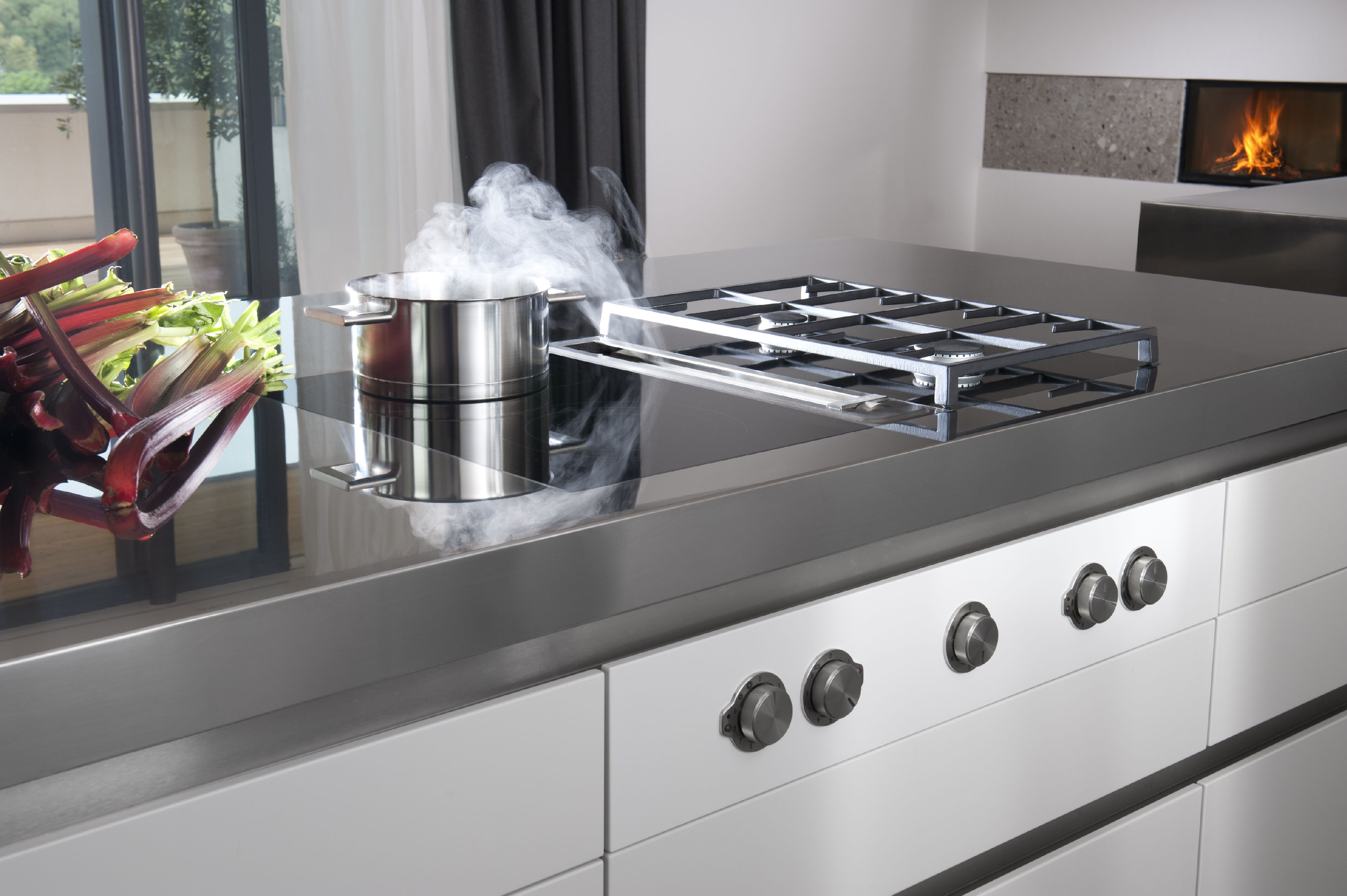 Afzuiging Bora New German Brand, Bora, Turns The Extractor Upside Down At