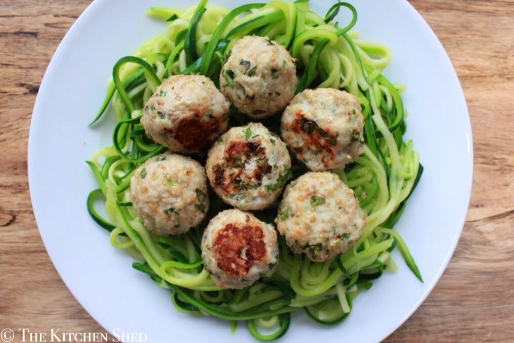 Clean eating quinoa turkey meatballs with courgette - Comment cuisiner courgette spaghetti ...