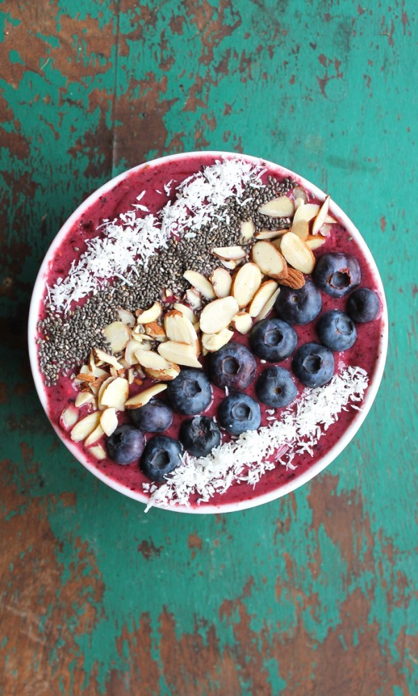 Blueberry-Green-Smoothie-Bowl