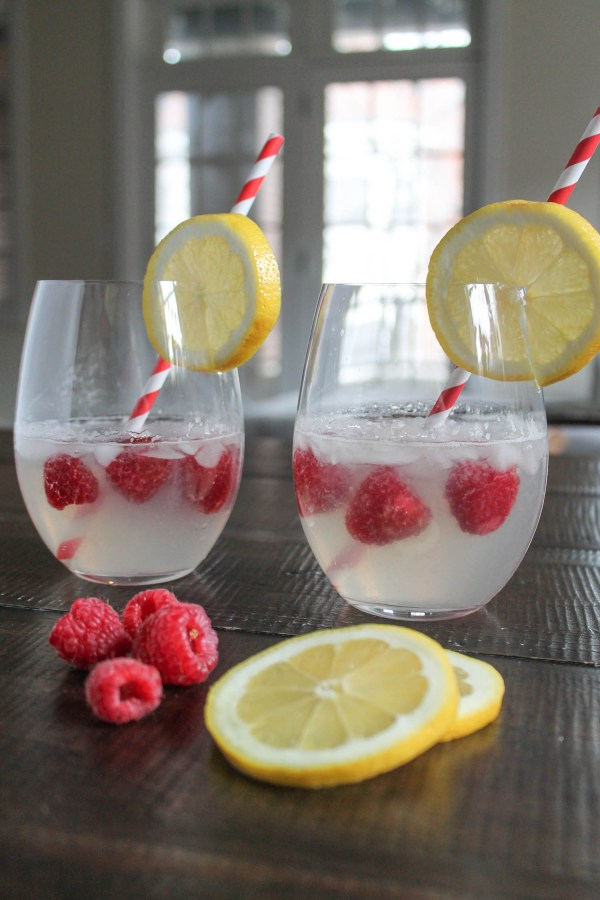 Raspberry Lemonade Cocktail-5