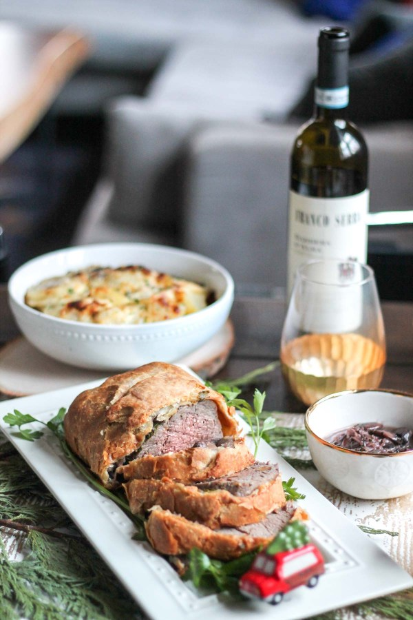 christmas-beef-tenderloin-wrapped-in-pastry-7